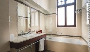 Grand Sal **** Hotel – Bathroom